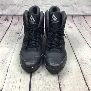 EXCELLENT COND AUTH NIKE ACG BOOT SNEAKERS